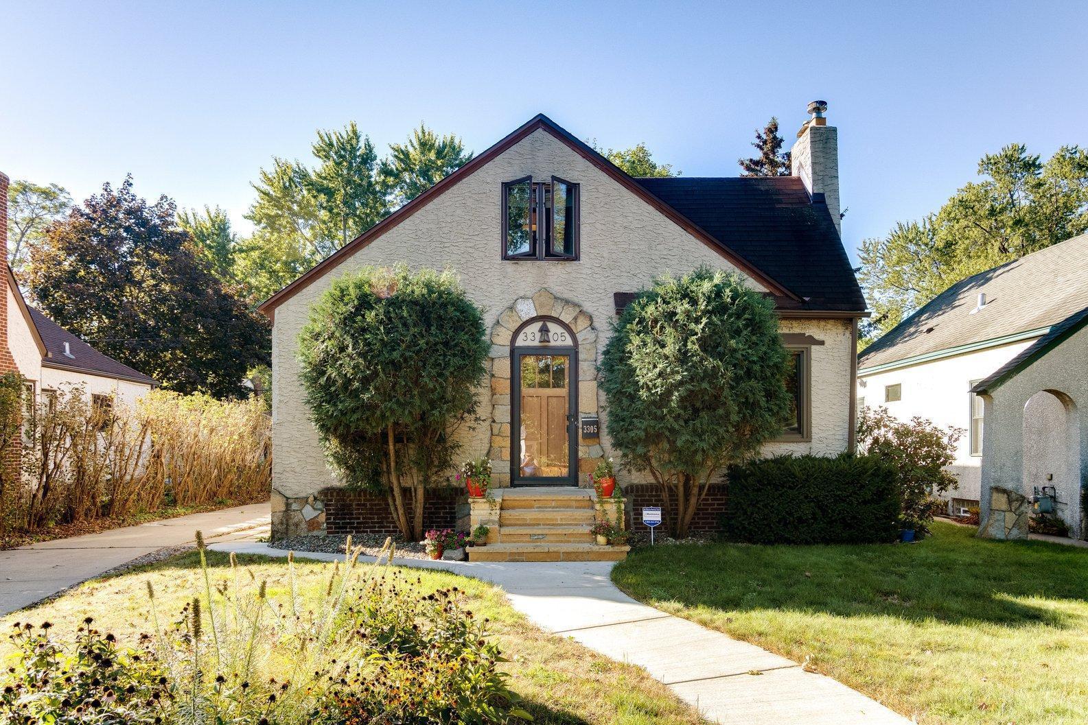 3305 E 50th Street Property Photo