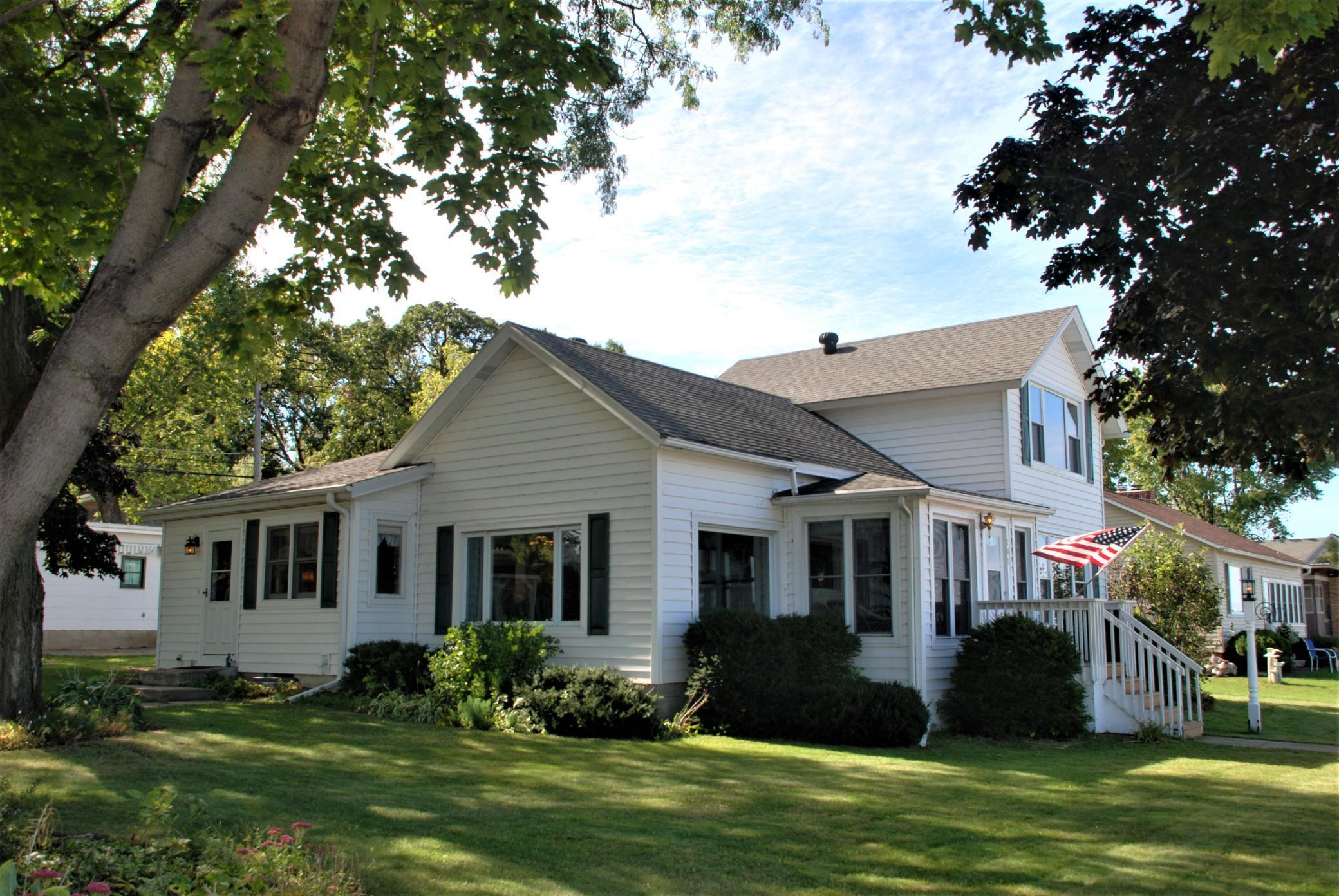 701 N Lakeshore Drive Property Photo
