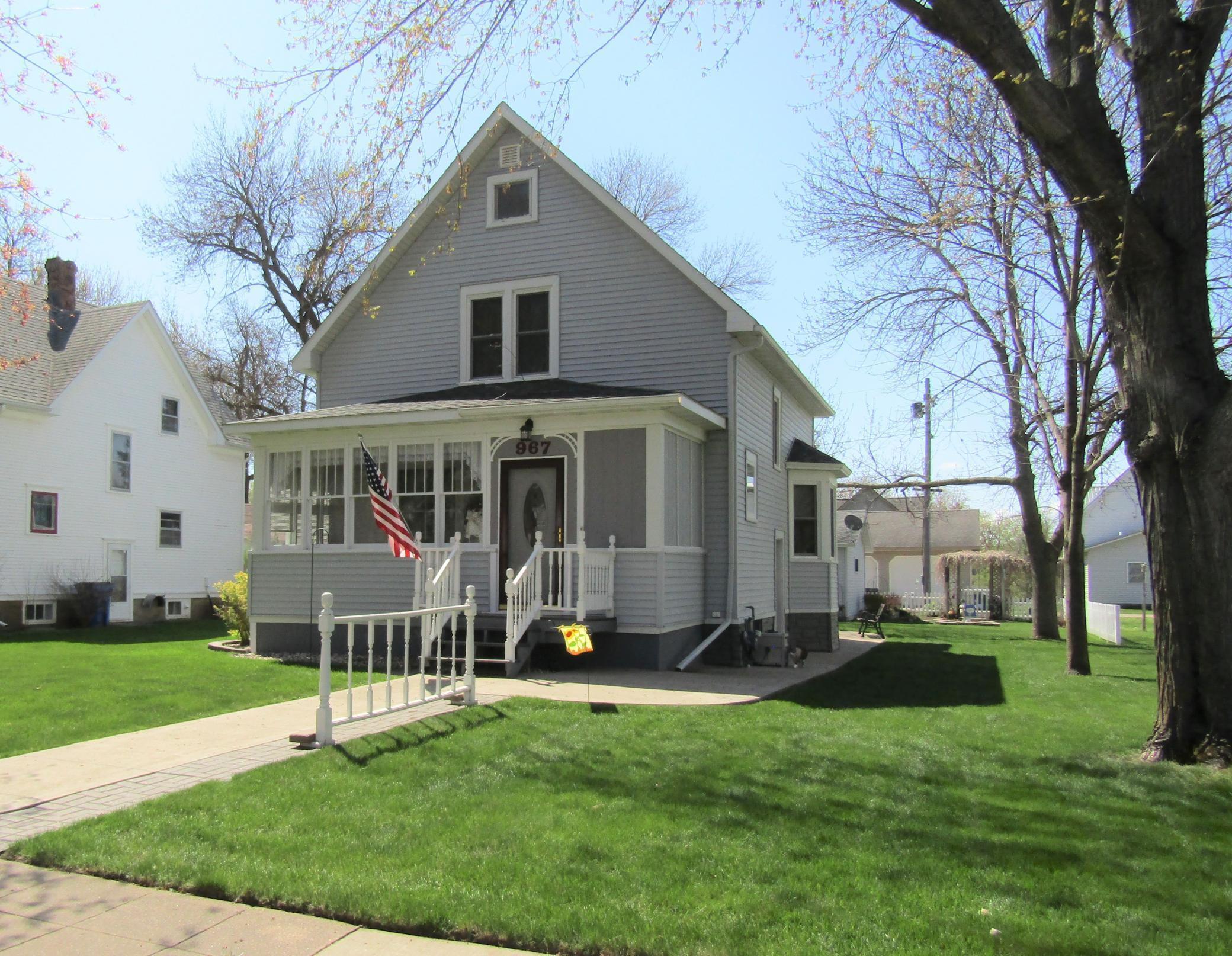 967 Ash Street Property Photo