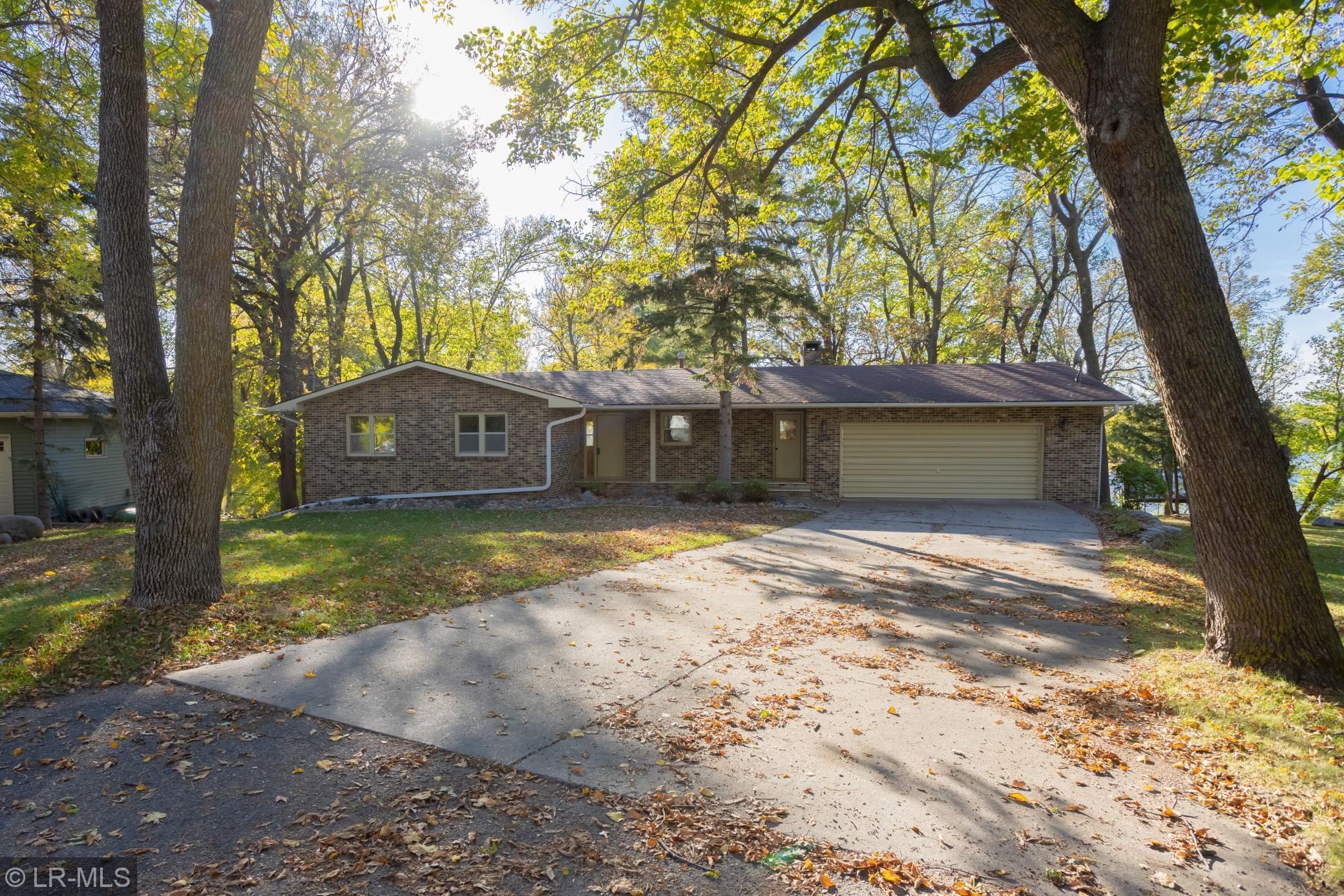 1407 Hoot Lake Drive Property Photo 1