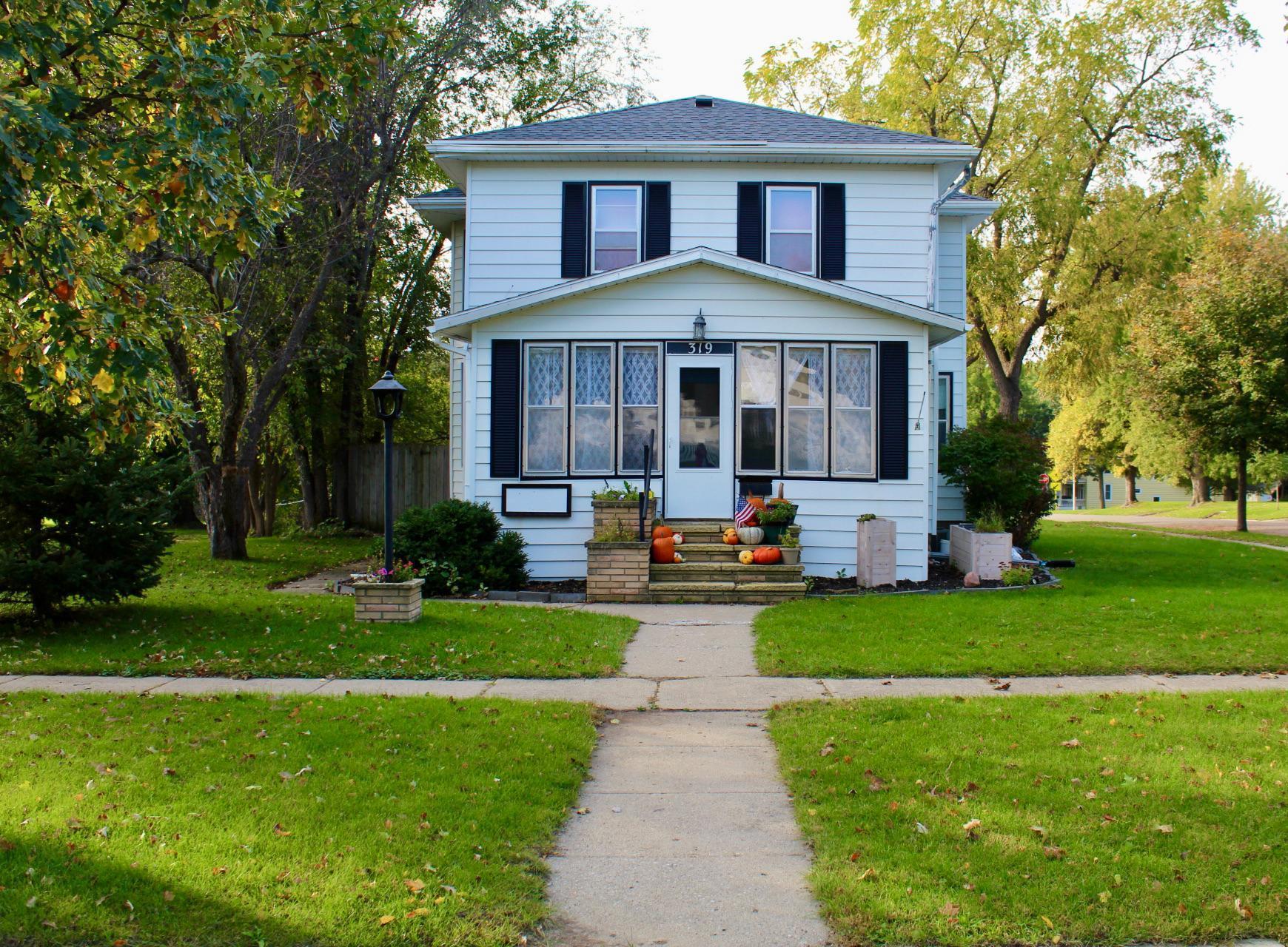 319 W Brown Street Property Photo