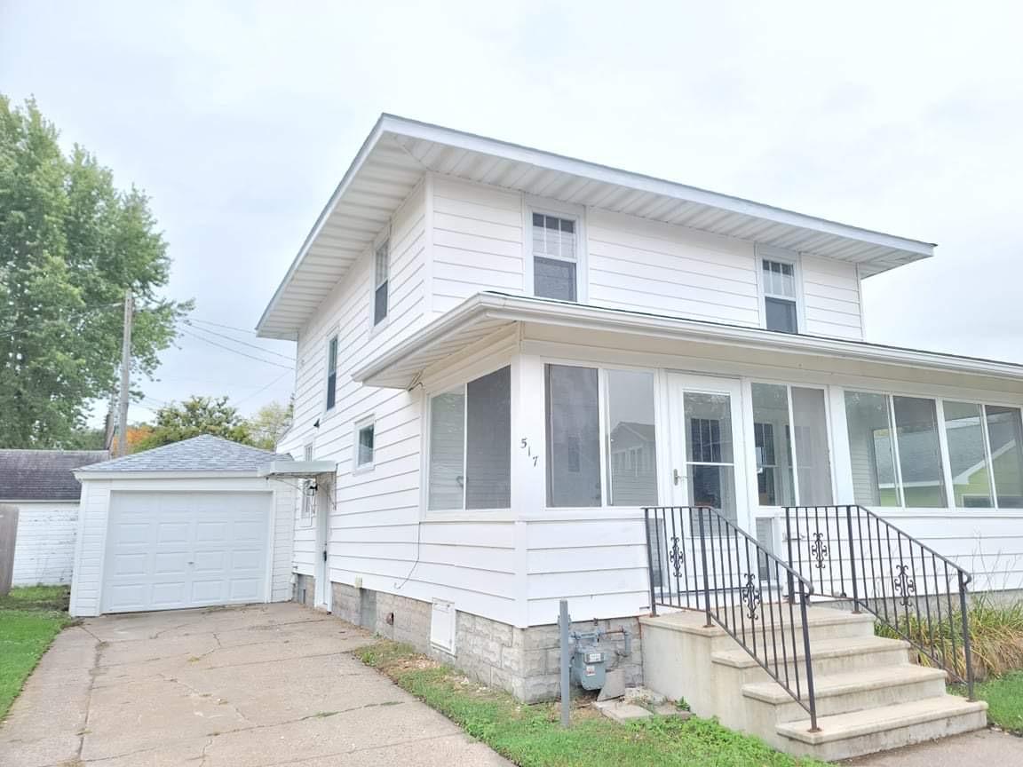 517 W King Street Property Photo 1
