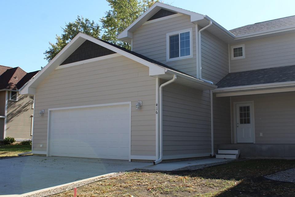 416 E 4th Street Property Photo