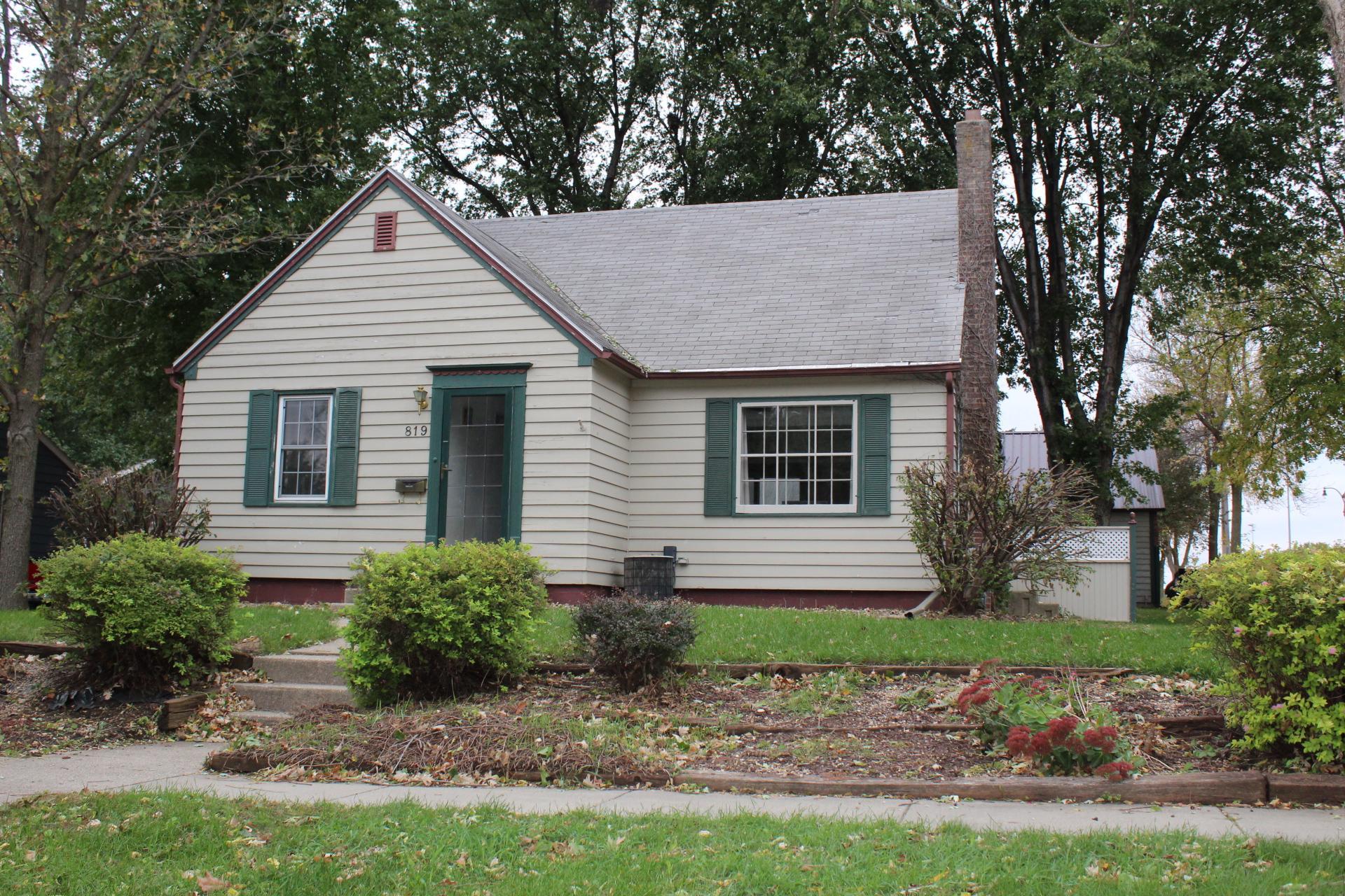 819 N Estey Street Property Photo