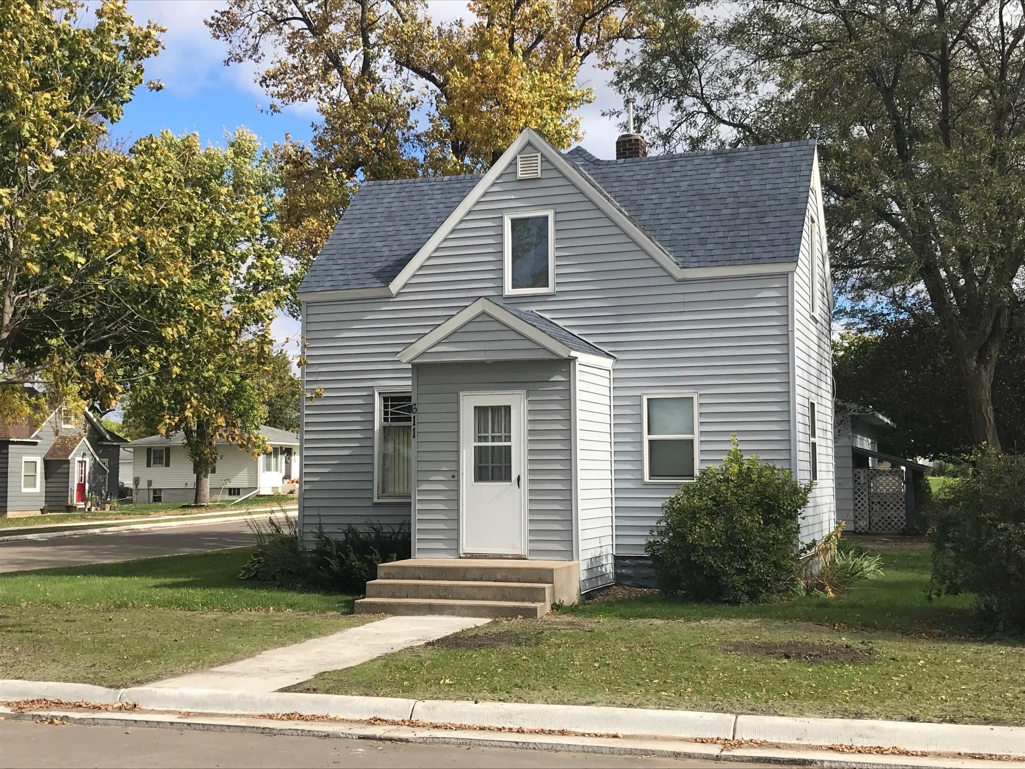 611 4th Street Property Photo