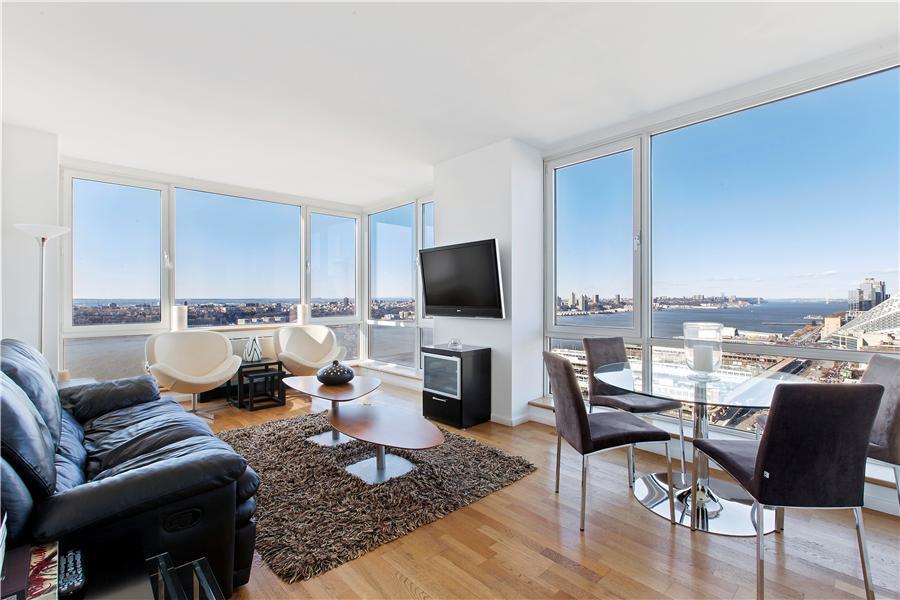 635 West 42nd Street #25k Property Photo 1
