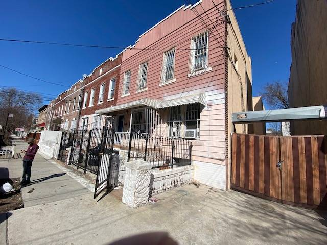 321 Milford Street Property Photo 1