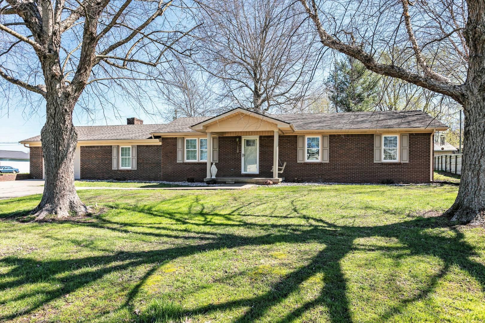 110 Daugherty Ave Property Photo 1
