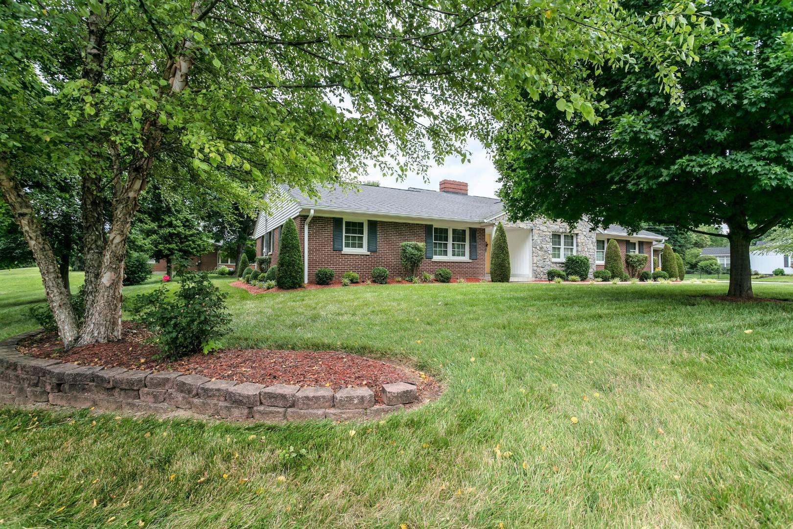 401 S. Proctor Knott Avenue Property Photo 1