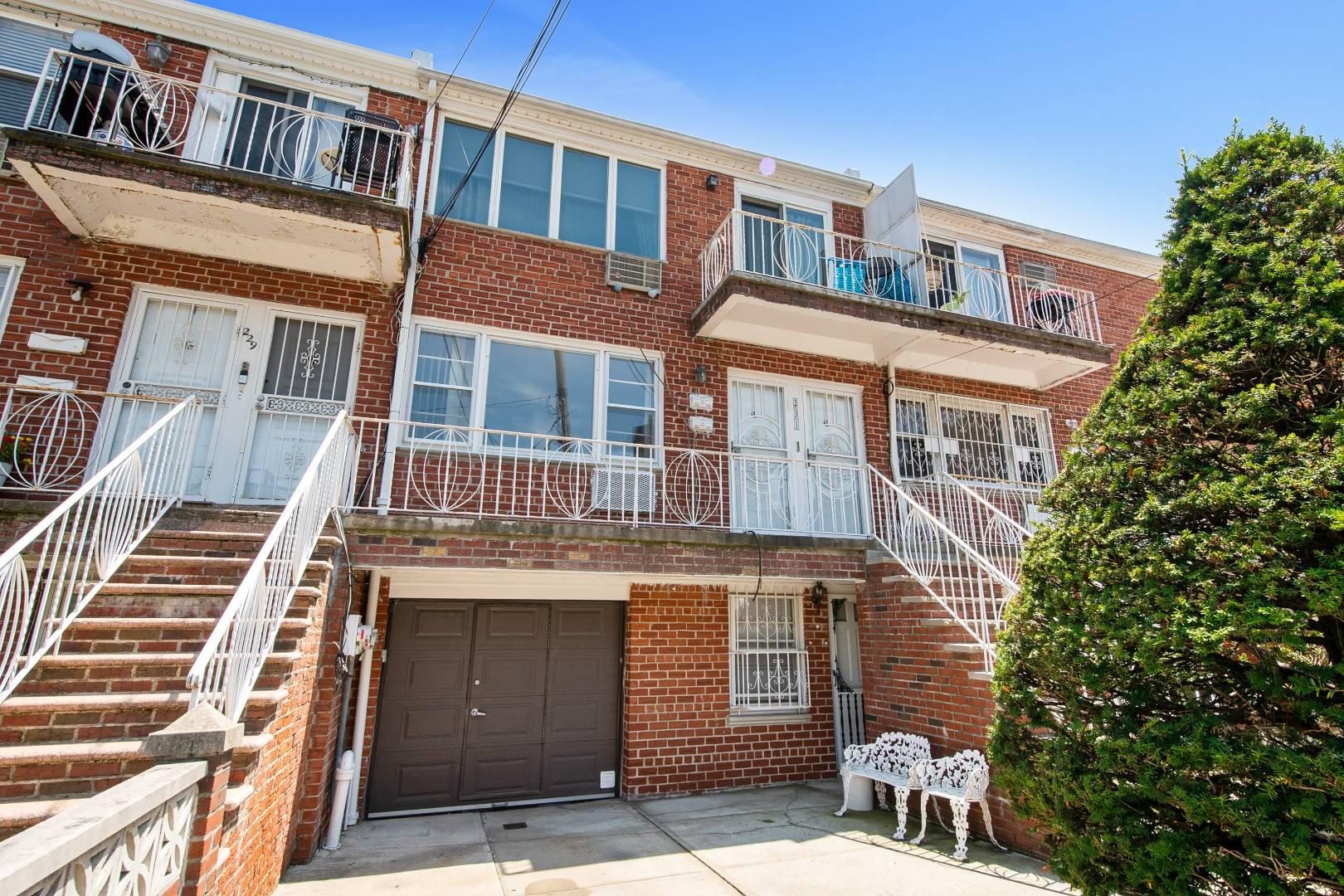 231 27th Avenue Property Photo 1