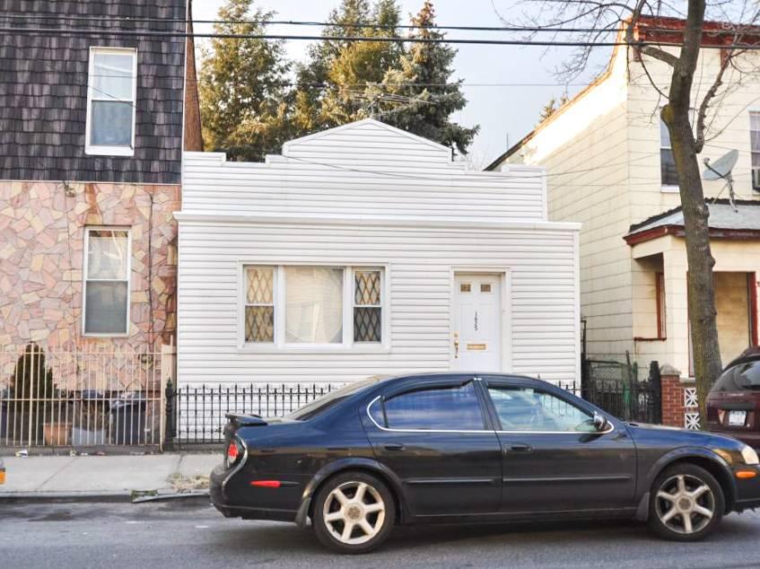 16-25 Decatur St Property Photo 1