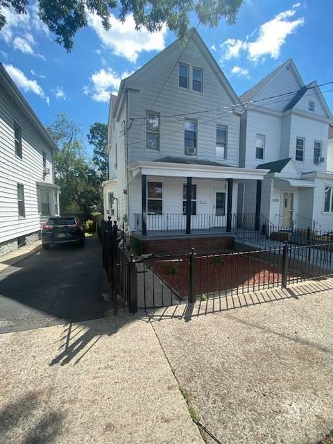 2582 Poplar Street Property Photo 1