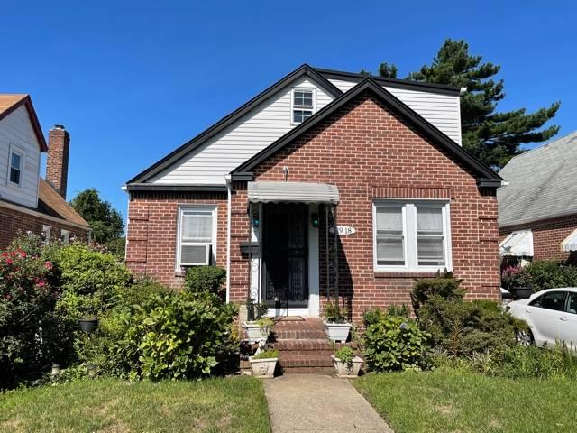 119-18 233rd St Property Photo 1