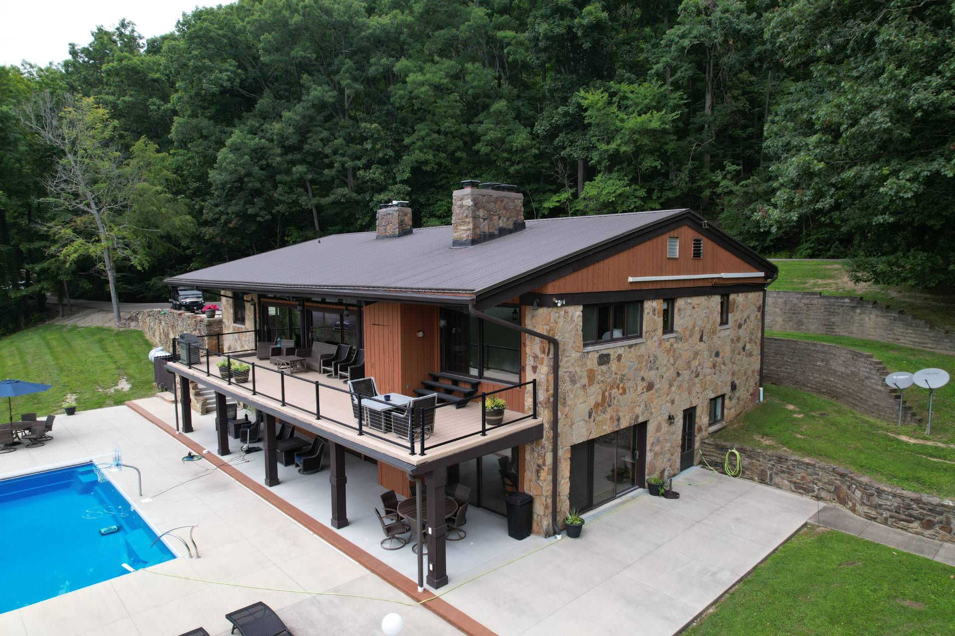 3239 Hoover Road Property Photo 1