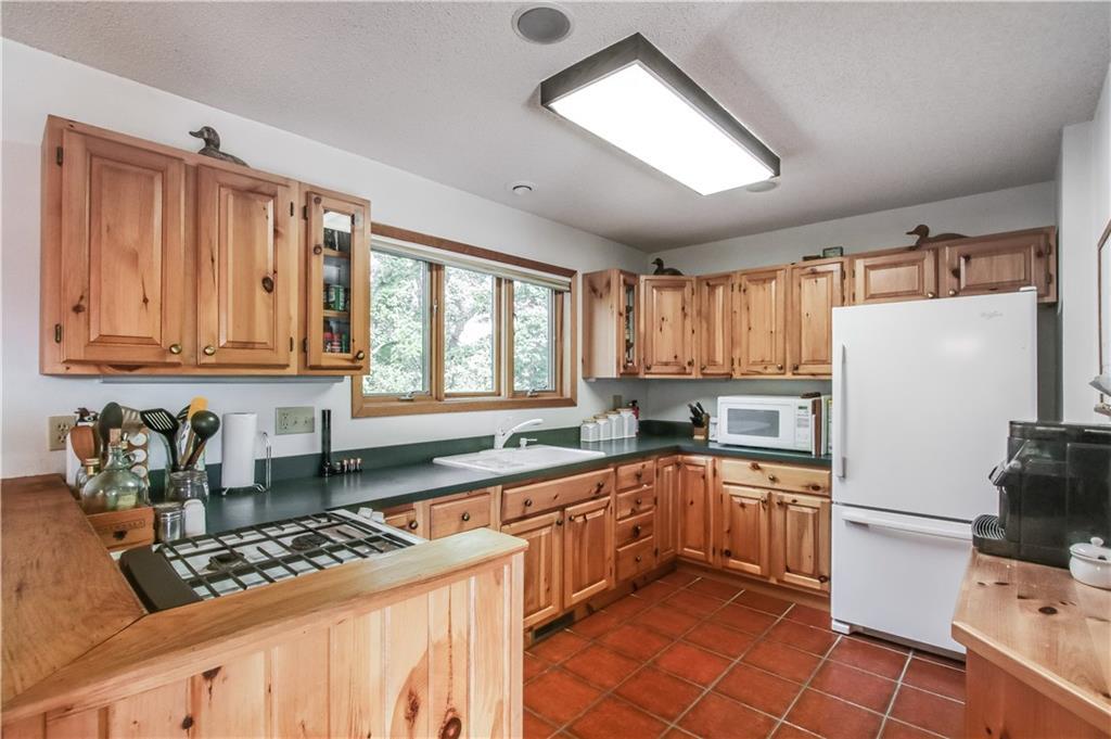 2756 7 5/8 Avenue Property Photo 5