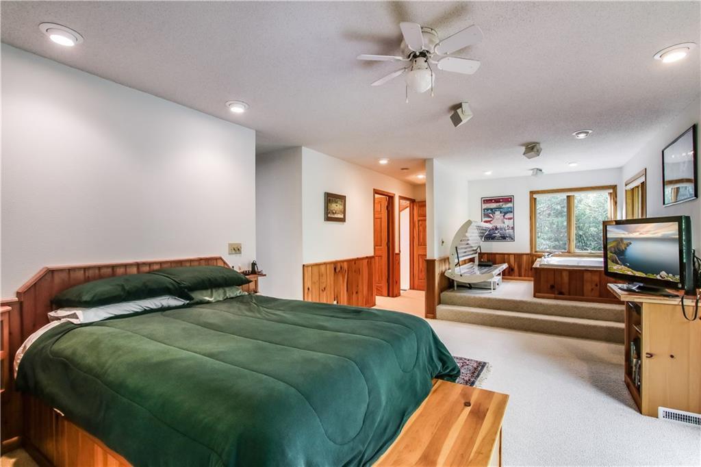2756 7 5/8 Avenue Property Photo 9