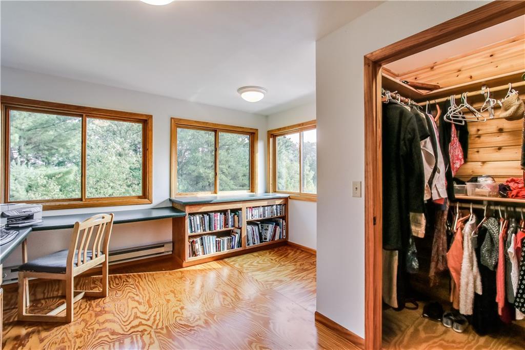 2756 7 5/8 Avenue Property Photo 20