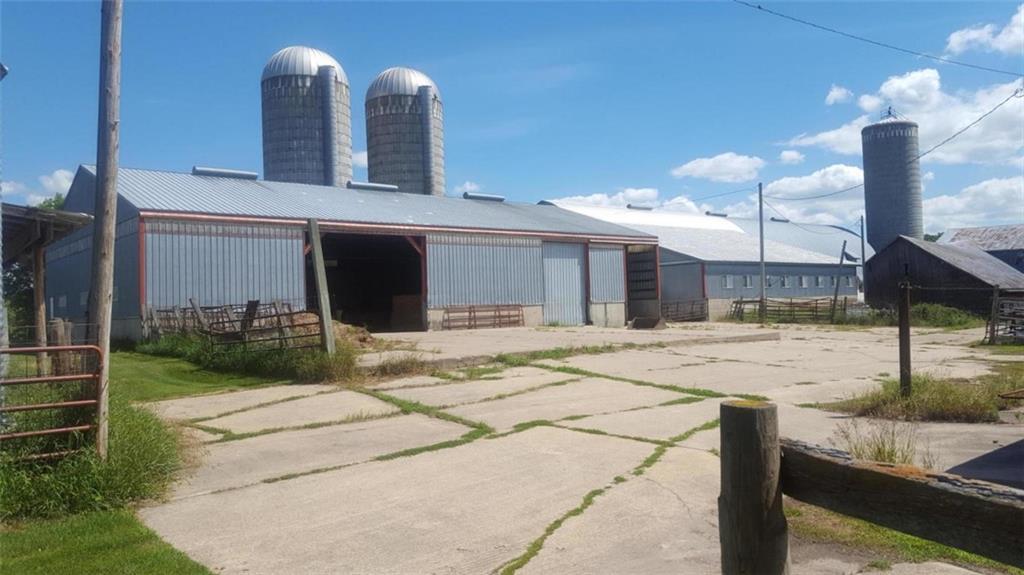 8167 County Road Bc Property Photo 11