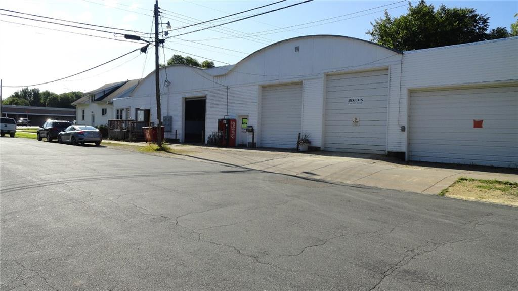 1403 9th Street E 1 Property Photo 2