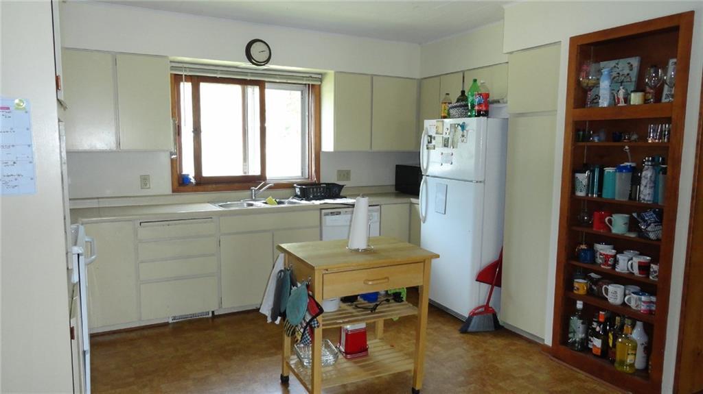 1403 9th Street E 1 Property Photo 3