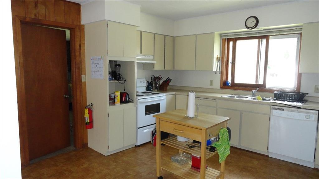 1403 9th Street E 1 Property Photo 4