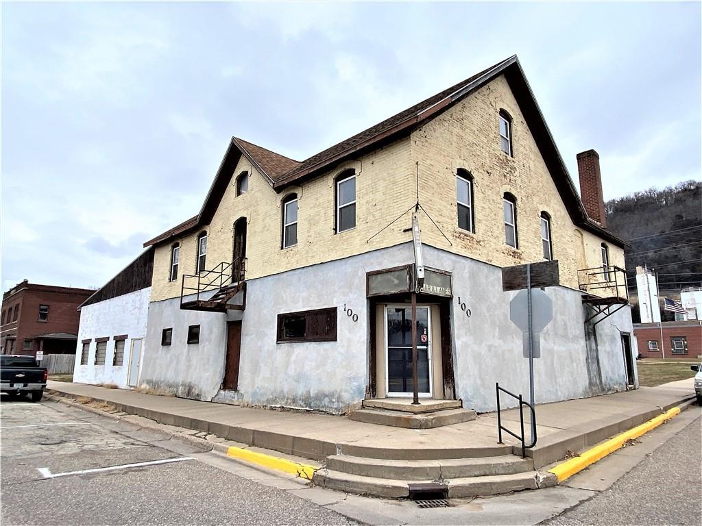 100 N Main Street Property Photo