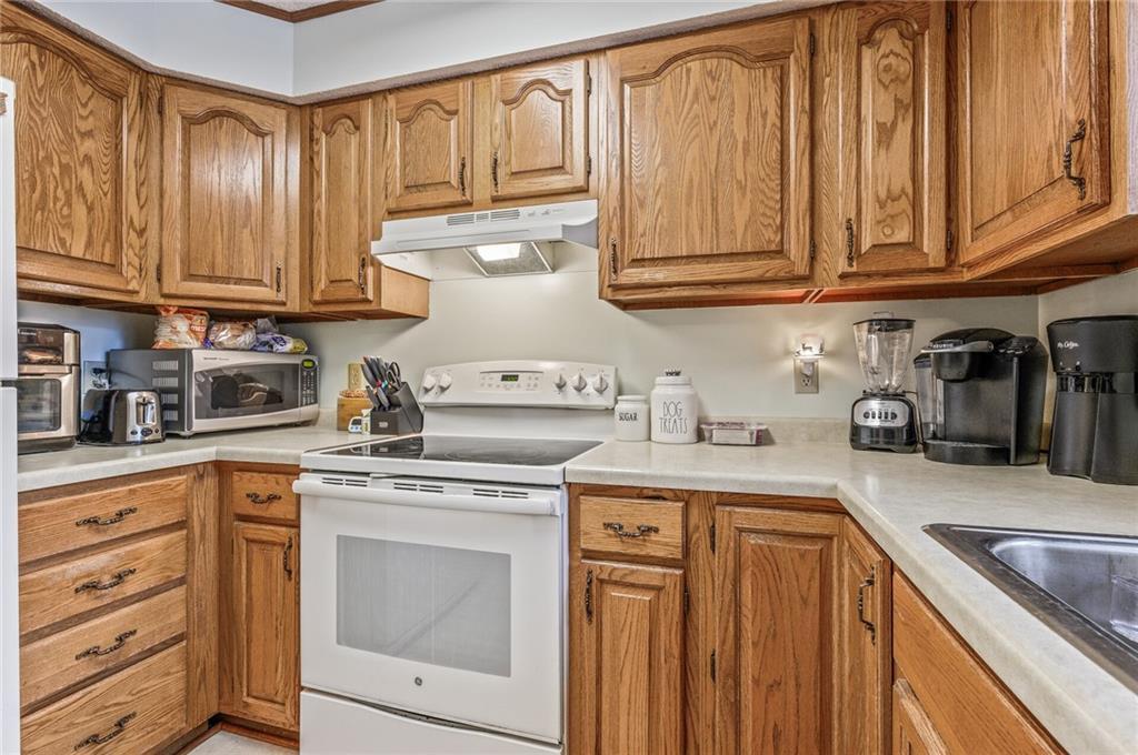 222 162nd Street Property Photo 14