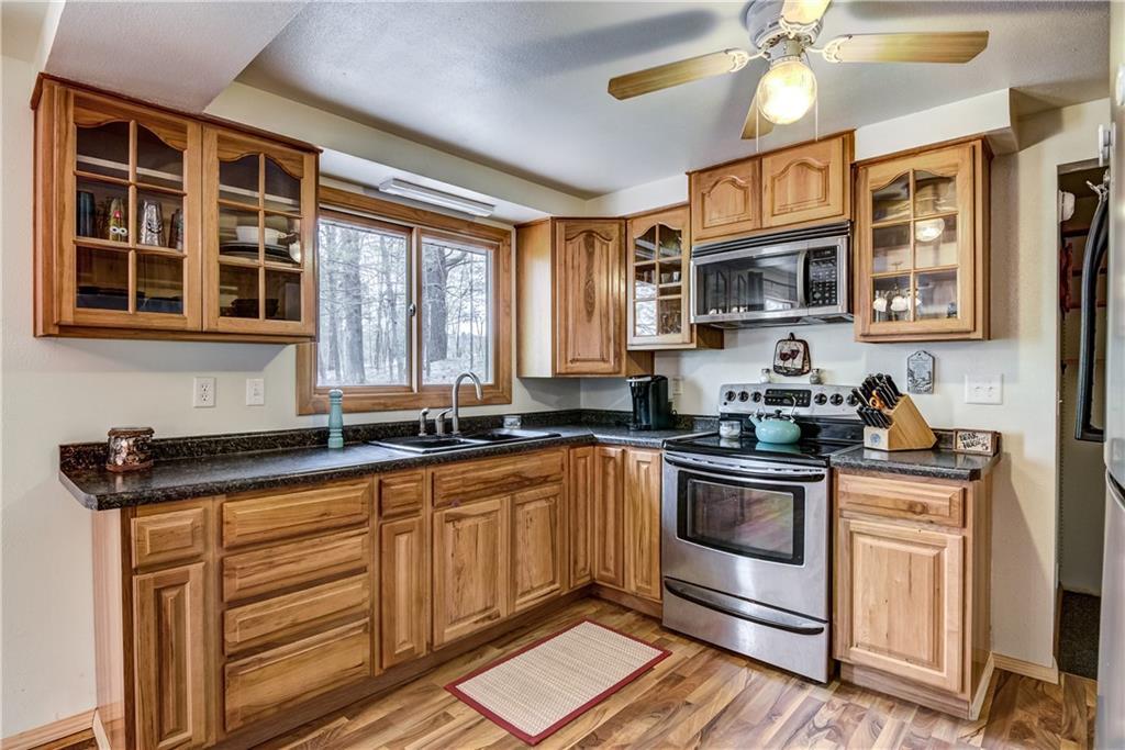 E2512 570th Avenue Property Photo 5