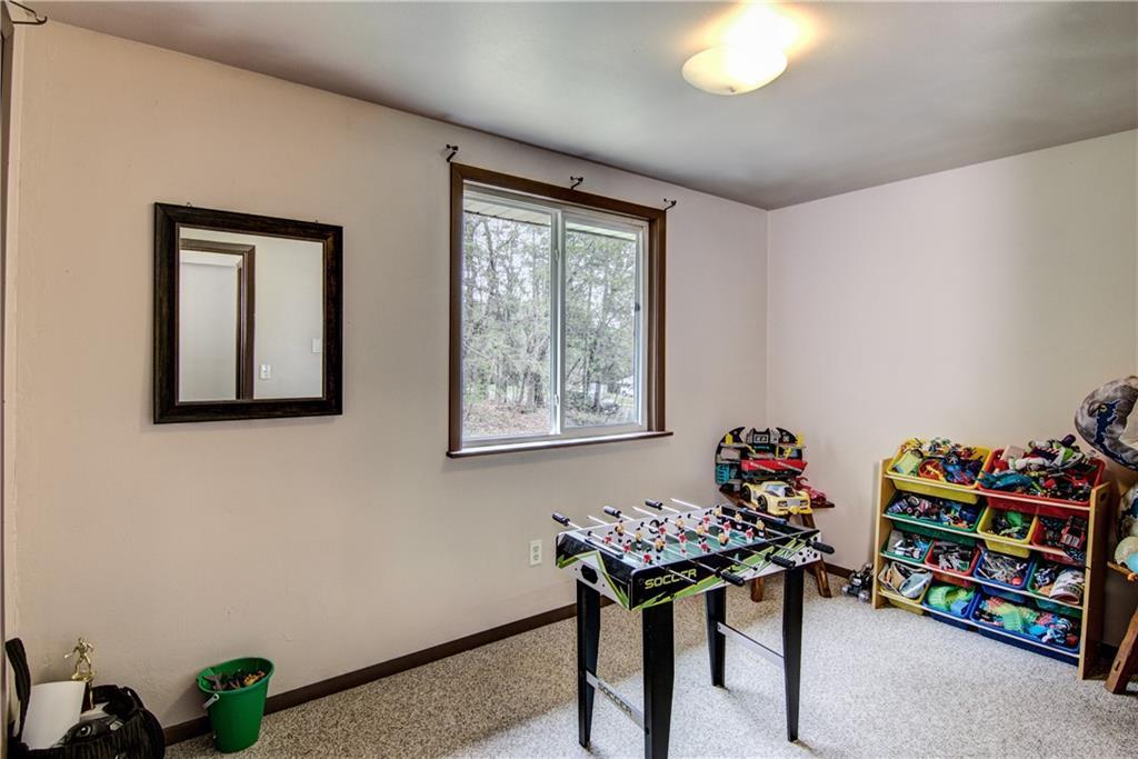 E2512 570th Avenue Property Photo 12