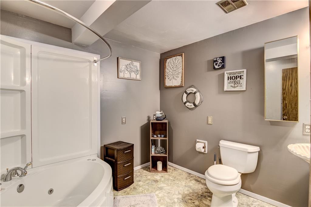 E2512 570th Avenue Property Photo 14