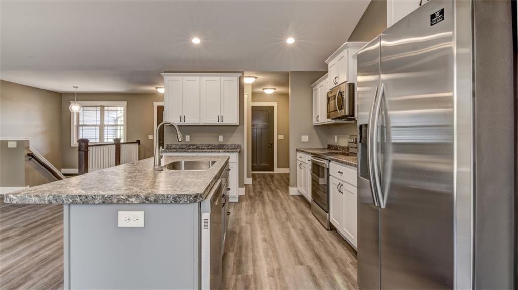 4430 146th St Property Photo 2