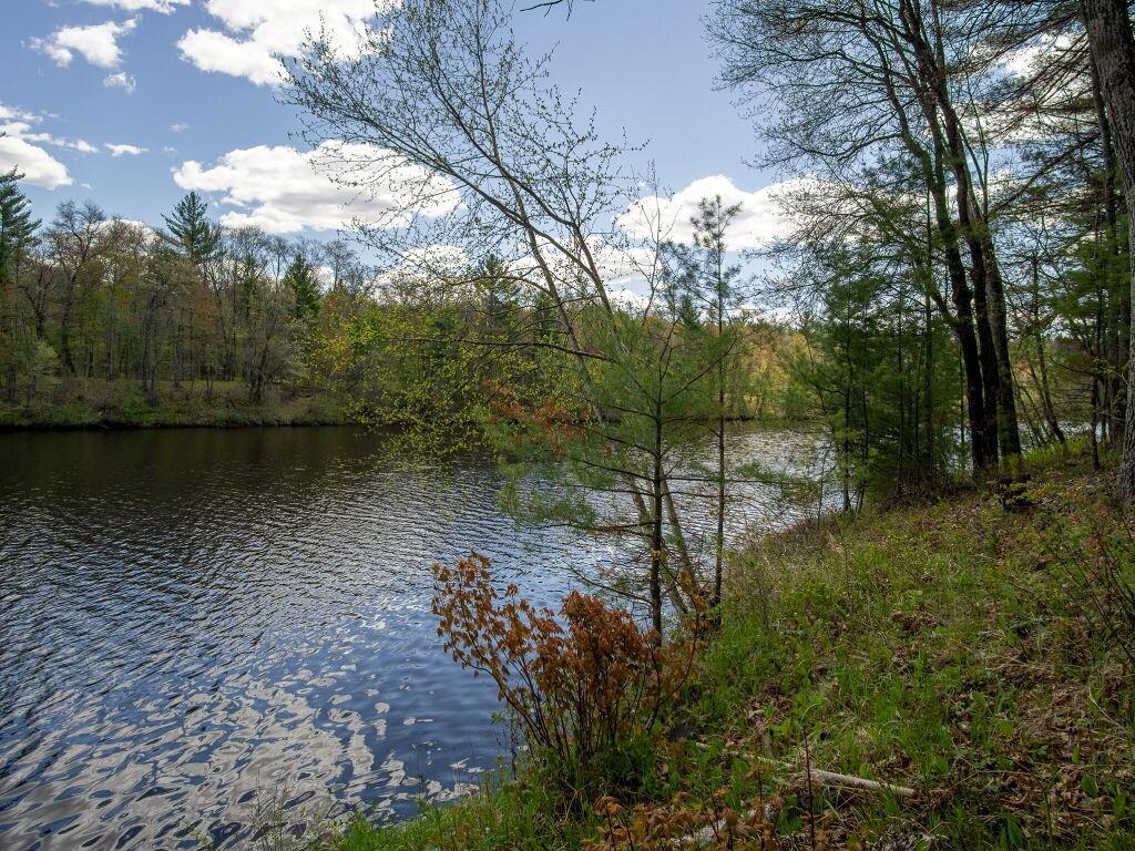 N7206 Waters Edge Road Property Photo