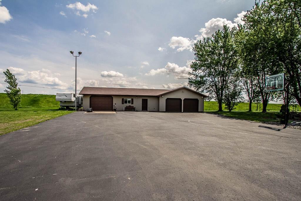 303 W Hill Street Property Photo