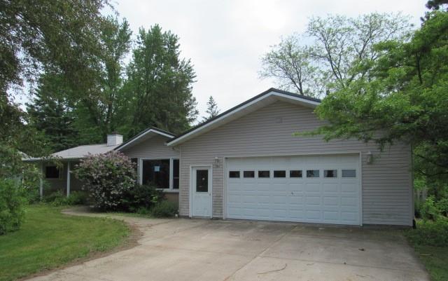 220 W Fir Street Property Photo