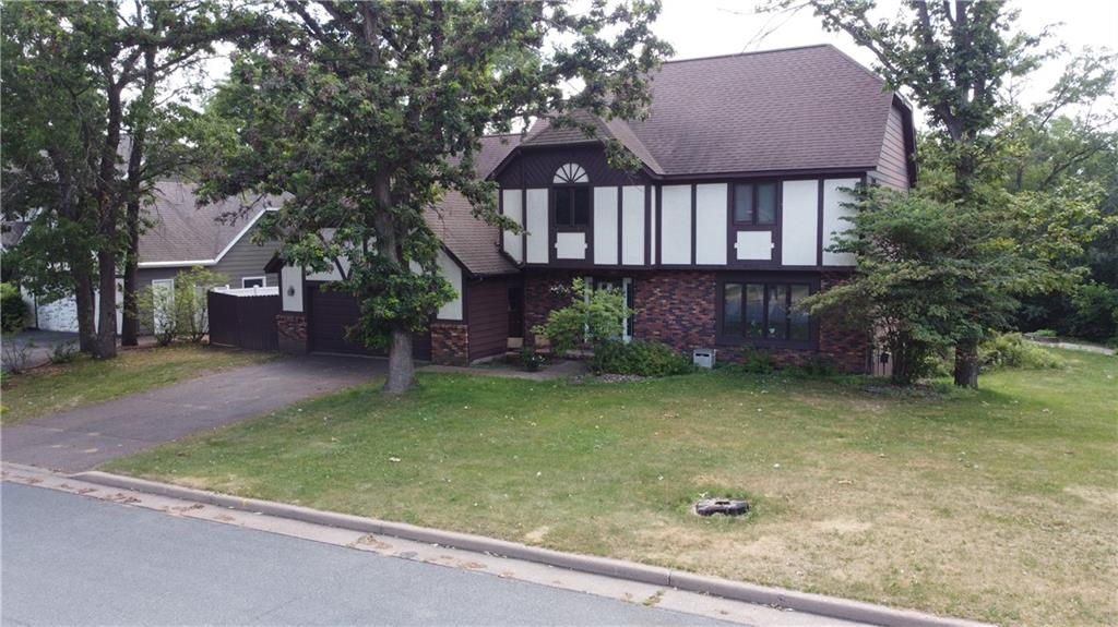 326 Hampton Court Property Photo 33
