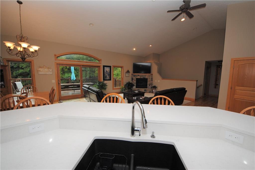 E2103 530th Avenue Property Photo 9