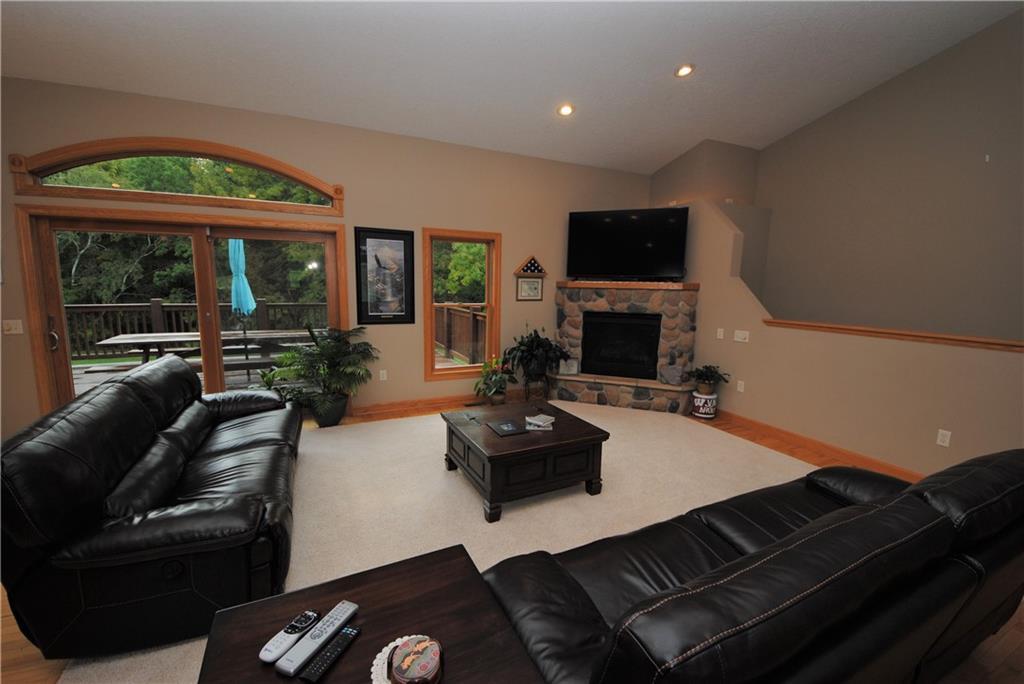 E2103 530th Avenue Property Photo 10