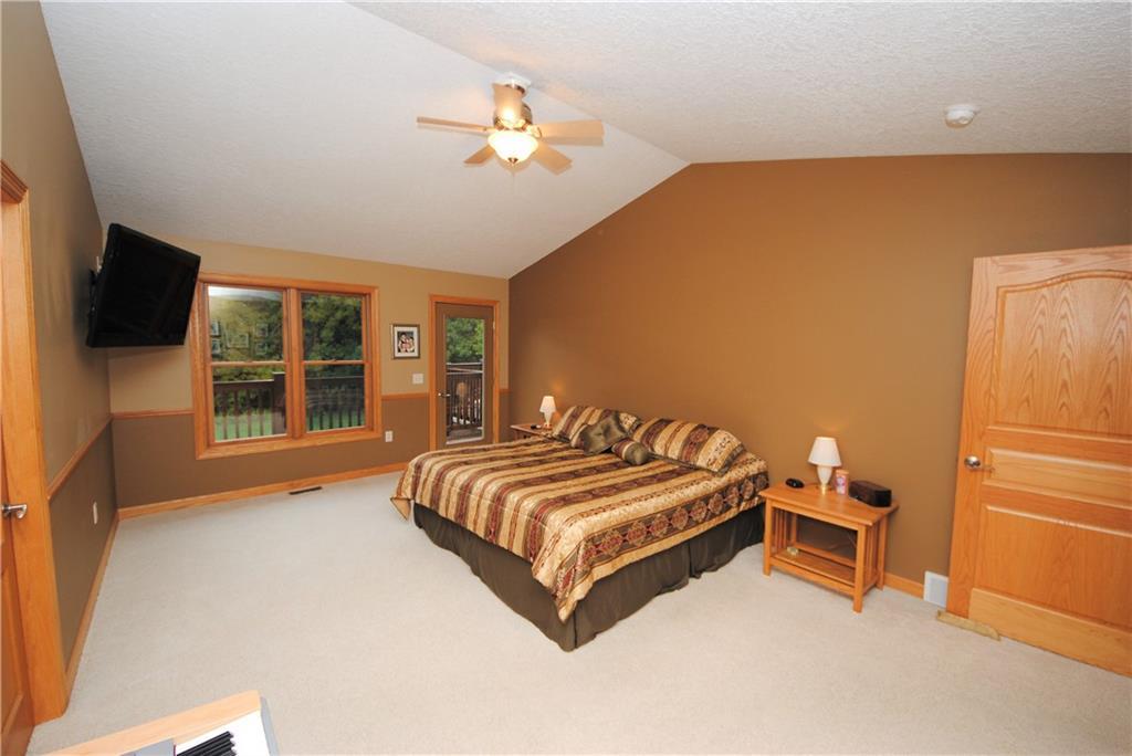 E2103 530th Avenue Property Photo 12