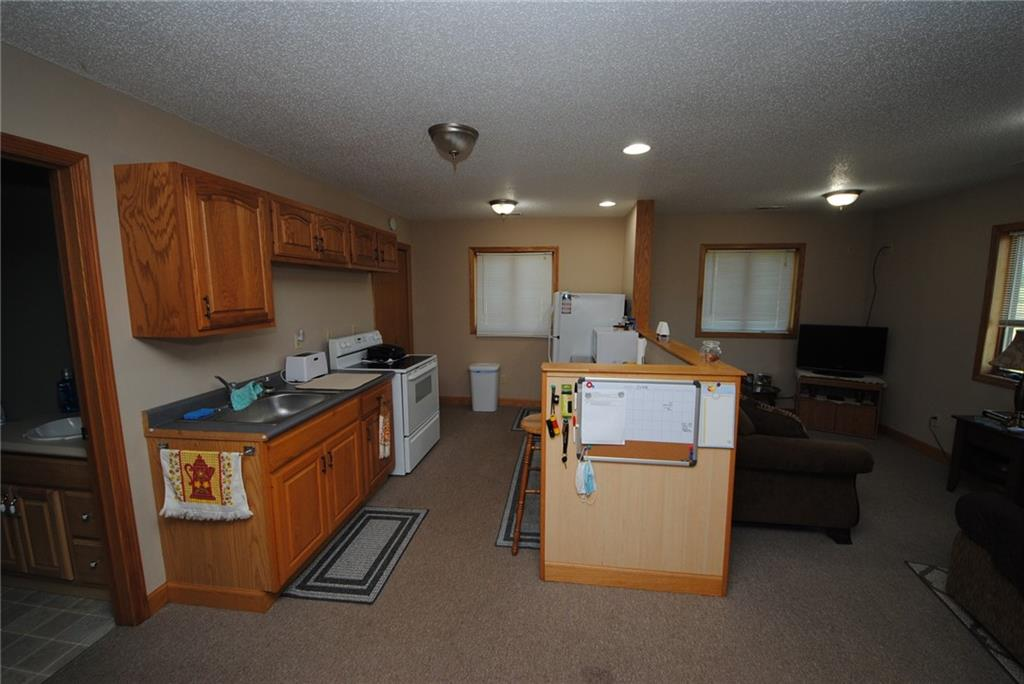 E2103 530th Avenue Property Photo 27