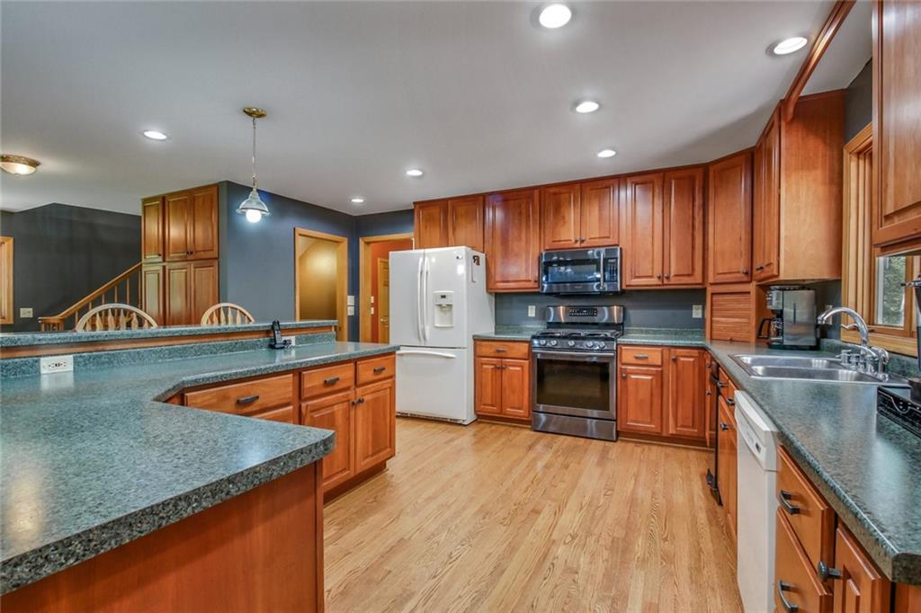 15496 221st Avenue Property Photo 8