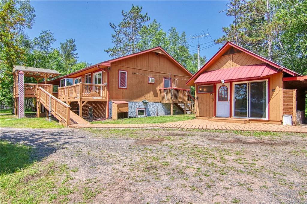 10533 S Loon Lake Road Property Photo