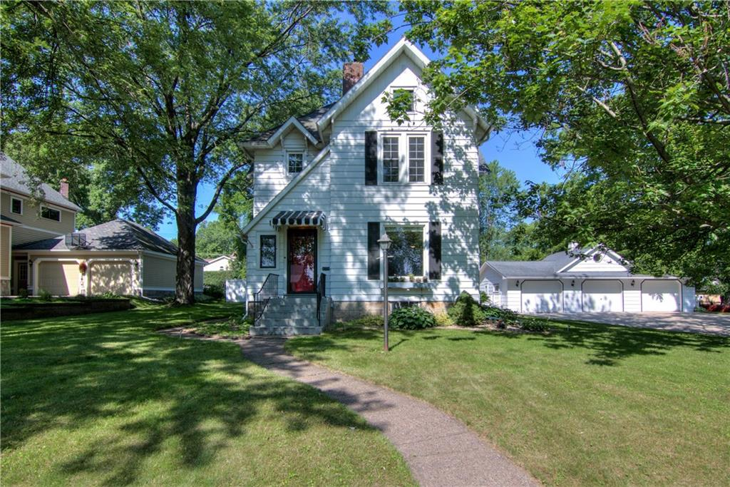302 Clay Street Property Photo