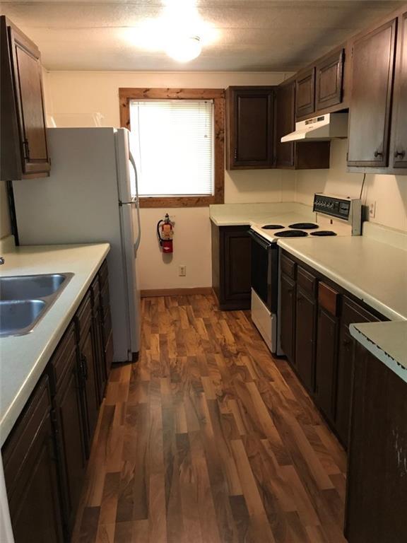 216 18th Ave E 1 & 2 Property Photo 3