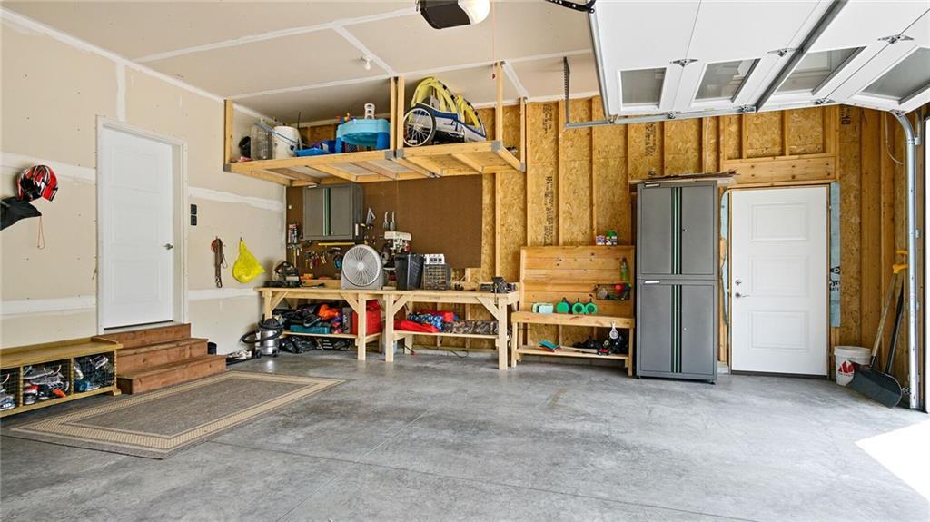 933 Thistle Lane Property Photo 5