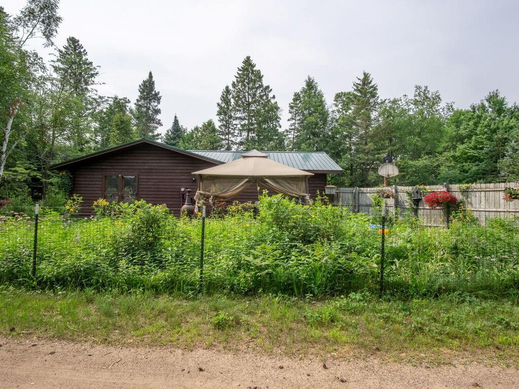 7746 County Highway K Property Photo 1