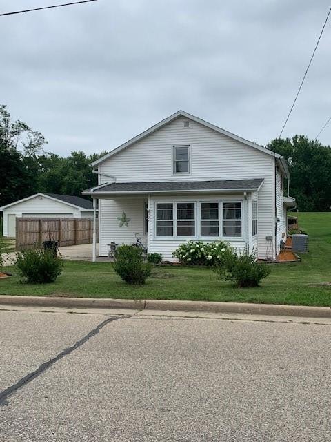 324 S 1st Street Property Photo 1