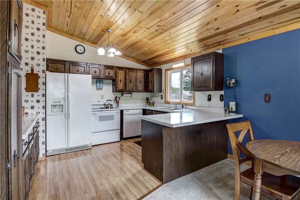 E4759 330th Avenue Property Photo 4
