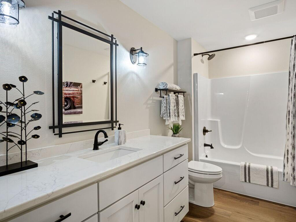 9423 24th Avenue S Property Photo 32