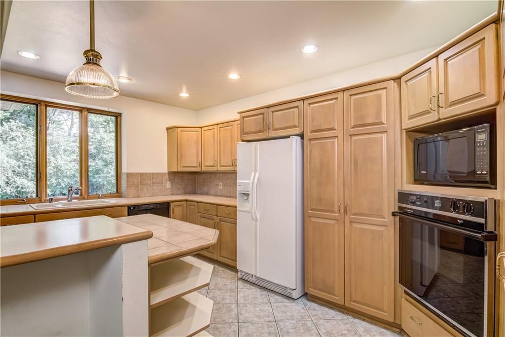18750 64th Avenue Property Photo 12