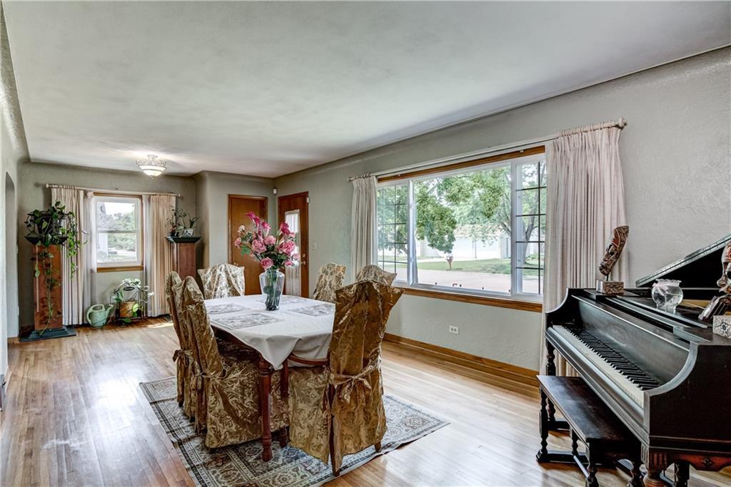 3403 Valmont Avenue Property Photo 6